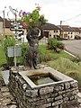 Fontenoy-la-Joûte (M-et-M) fontaine sculptée.jpg