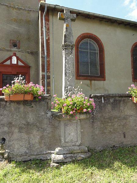 Fréménil (M-et-M) église, croix ancien cimetière