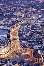 Frankfurt Am Main-Zeil-Ansicht vom Maintower am fruehen Abend-20110328.jpg