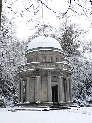 Frankfurt Main Cemetery - Private mausoleum of the Gans family of industrialists.
