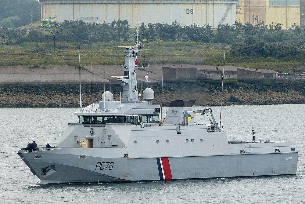 Les patrouilleurs de la Marine Nationale 1000px-French_Navy_Flamant_Class_P676_entering_Dunkirk_harbour_(7961651562)