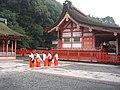 Fushimi Inari Shrine - miko 2004-9-2.jpg