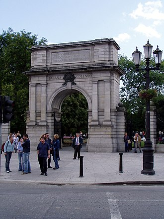 St Stephen's Green - Fusiliers' Arch, erected in 1907