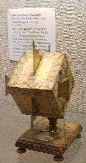 Göttingen Cubic Sundial cropped smaller