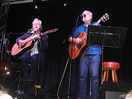 Gallagher and Lyle On Stage In Greenock.jpg
