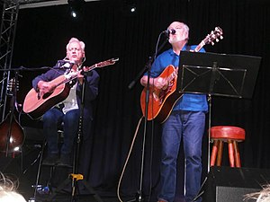 Gallagher and Lyle - Image: Gallagher and Lyle On Stage In Greenock