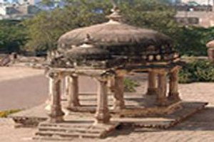 Gangadhar Rao - Chhatri (cenotaph) of Gangadhar Rao, the last Raja of Jhansi and husband of Rani Lakshmibai