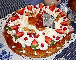 Gateau d'anniversaire aux fraises / Strawberry...