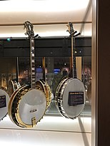Bacon and Day banjo in het American Banjo Museum.