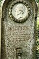 Grave of Elfriede Heisler.jpg