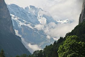 Grosshorn from Lauterbrunnen.JPG