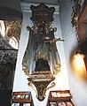 GuentherZ 2011-03-05 0083 Wien09 Servitenkirche Vorhalle Statue Johannes Nepomuk.jpg