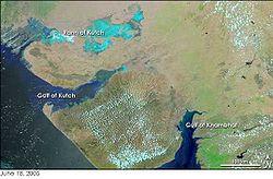 काठियावाड़ कच्छ की खाड़ी और खंबात की खाड़ी के बीच का क्षेत्र है। नासा वेधशाला द्वारा उपग्रह चित्र