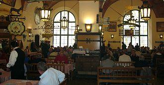 Hofbräuhaus am Platzl - Staff wear tracht with men in lederhosen and women in dirndl