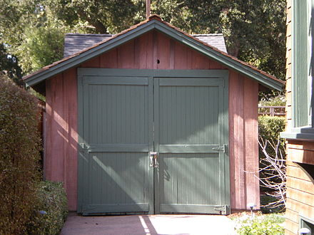 The garage in Palo Alto where Hewlett and Packard began their company HP garage front.JPG