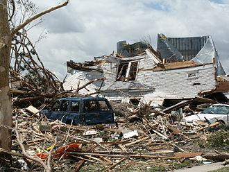 Tornado outbreak sequence of May 2004 - Tornado damage in Hallam