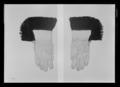 Handske till stora serafimerdräkten - Livrustkammaren - 26422.tif