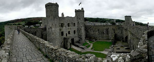 ramparts and interior courtyard - Castle