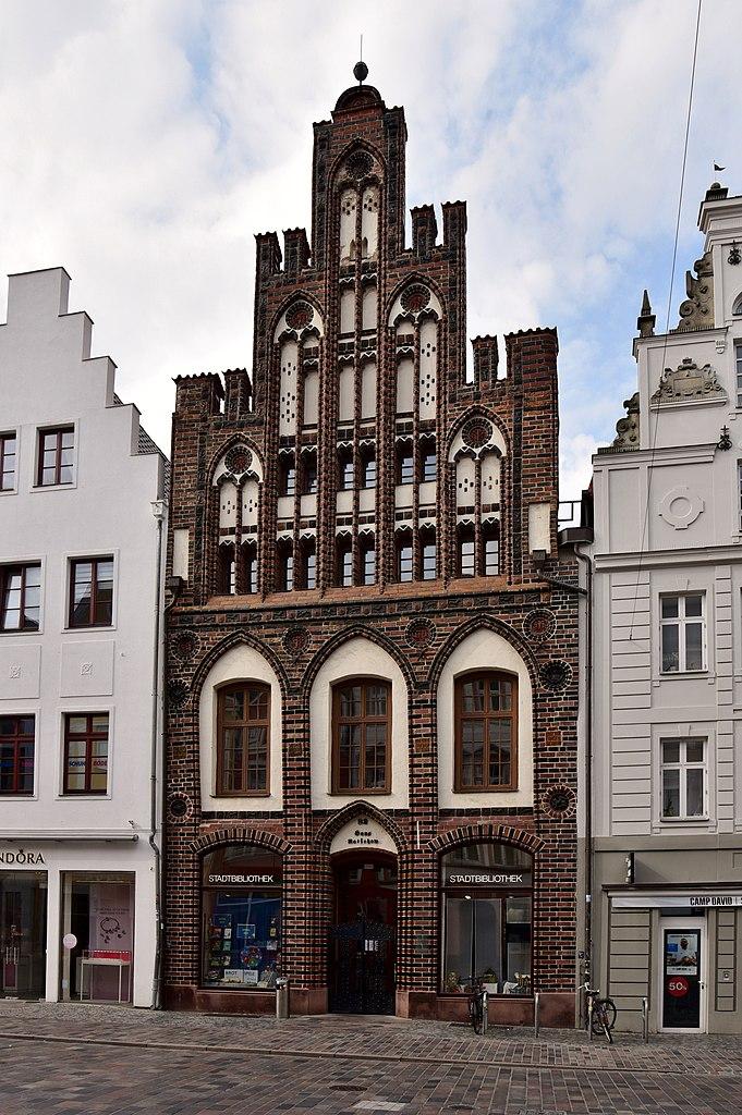 681px-Haus_Ratschow_%28Rostock%29%2C_2019_%2801%29.jpg