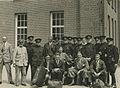 Het detachement van de Amsterdamse Politie in gezelschap van leden van de Amster – F40357 – KNBLO.jpg
