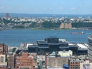 Hudson from Midtown Manhattan with Javits Conv...