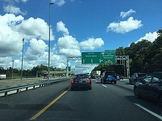 Interstate 95 in Virginia - I-95 northbound at the SR 294 exit near Woodbridge