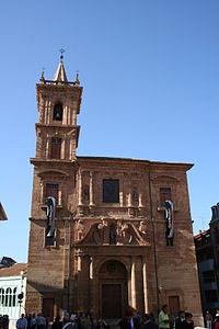 Iglesia de San Isidoro (Oviedo).jpg