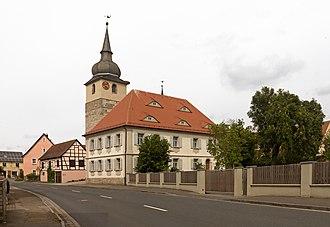 Ipsheim - Image: Ipsheim, das Pfarrhaus Dm D 5 75 135 10 foto 8 2016 08 05 15.36