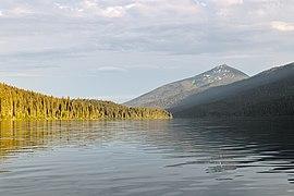 Isaac Lake (DSCF2460).jpg