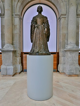 Isabella of Portugal - The bronze statue of Empress Isabella by Leone Leoni, 1550-1555, that was commissioned by Charles V, on display at the El Prado Museum, Madrid.