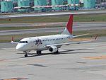JAL EM-170 JA213J at ITM (28334549240).jpg