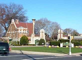 St. John Cemetery (Queens) - Image: John's RC Cemetery MV jeh