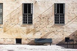 Kalmar slott borggård fasad fönster.jpg