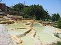 Karahayit sicak sular (kizil - kirmizi su) - panoramio.jpg