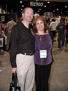 Rebecca Moesta with her husband Kevin J. Anderson at the 2004 Comic Con