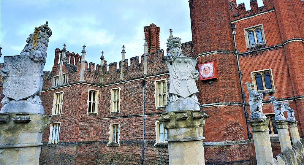 King's Beasts - Hampton Court Palace - Joy of Museums - 3