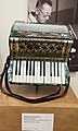Klavieraccordeon (early-20th C., piano accordion), Meinel & Herold, Klingenthal, Saxony, Germany - MIM PHX.jpg