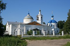 Kosterevo church of Trinity and church of Exaltation 02.jpg