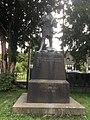 Kriegerdenkmal für den Krieg 1914-18, Ochtendung an der Kirche.jpg