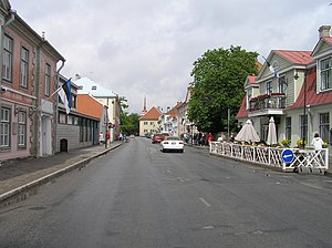 Kuressaare 8 street and buildings beentree.jpg