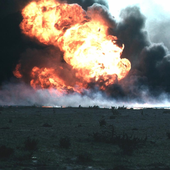 Kuwait burn oilfield crop1.png