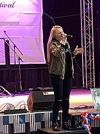 Laura van den Elzen on Stage.jpg
