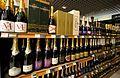 Linéaire de champagnes en grande surface.jpg