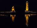 Lindauer Hafen beleuchtet am späten Abend.jpg