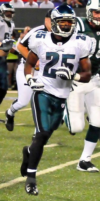 Lorenzo Booker - Booker with the Eagles in 2009.