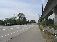 Highway 7, gesehen von der Skytrain-Haltestelle Production Way Station