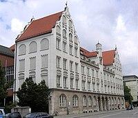 Luisen-Gymnasium Muenchen-1.jpg