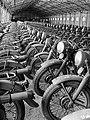 Mátyásföld, Újszász utca 41-43. Magyar Királyi Honvéd gépkocsiszertár, motorkerékpár raktár. Fortepan 72335.jpg