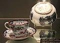 Maastrichts aardewerk, P Regout, kop & schotel, decor Pompeia (1876) & fruitkom decor Canton (1869) - collectie CC.jpg