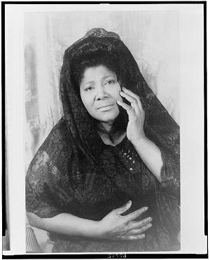 Mahalia Jackson - Mahalia Jackson, photographed by Carl Van Vechten in 1962